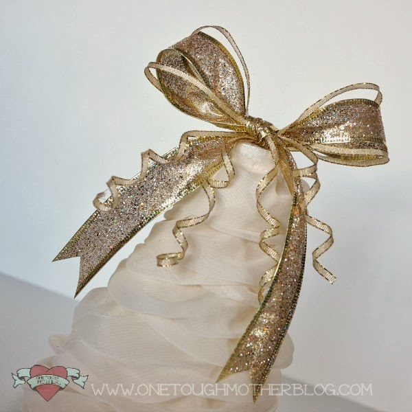 DIY Ruffle Christmas Tree sweetteaandsavinggraceblog.com