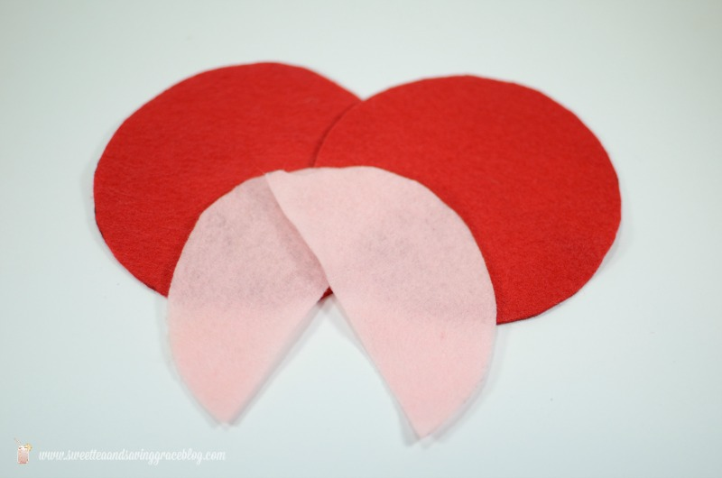 DIY No-Sew Valentine's Heat Packs  |  Sweet Tea & Saving Grace