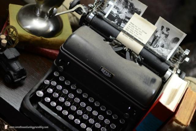 Vintage Typewriter Vignette | Sweet Tea & Saving Grace