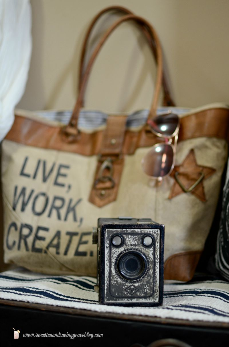 Creating An Inviting Entryway with Graham & Brown     Sweet Tea & Saving Grace