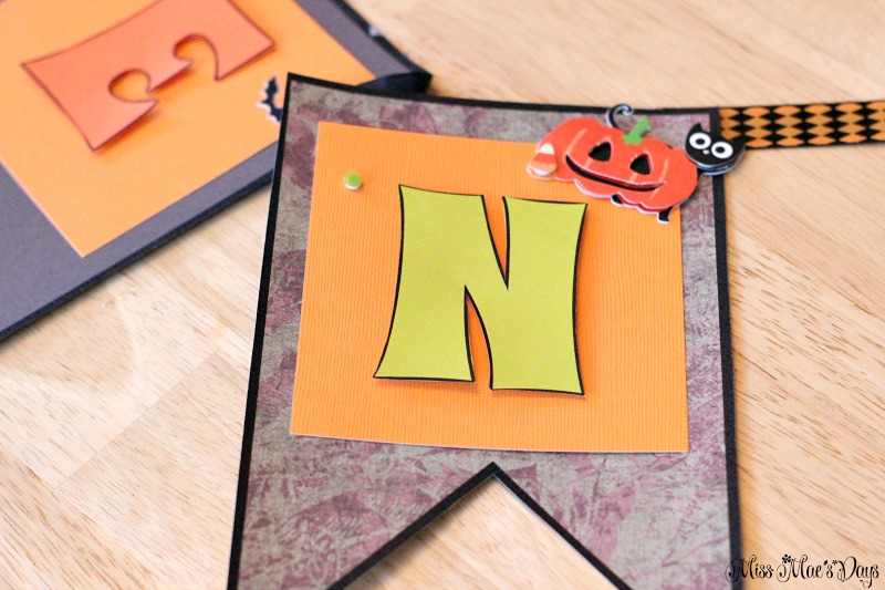diy-halloween-banner-stickers
