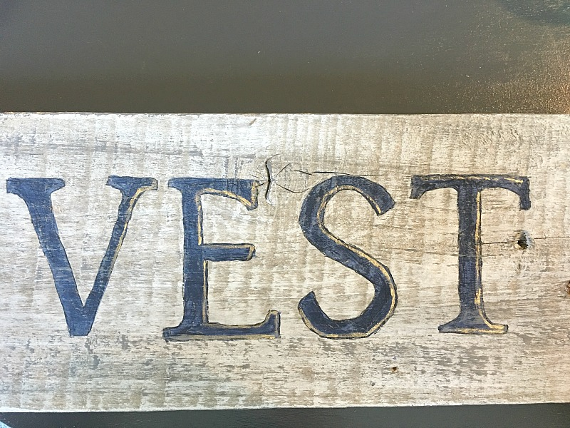diy-barnwood-sign-adding-dimension-to-letters