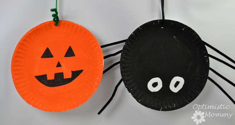 Get ready for Halloween with these fun and inexpensive Halloween Paper Plate Crafts for kids, including a pumpkin and spider!