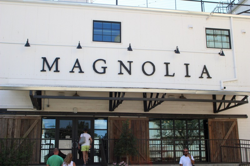 5 things to do at Magnolia Market - see the Silos, visit the garden, eat at the food trucks, play & swing and shop in the market.