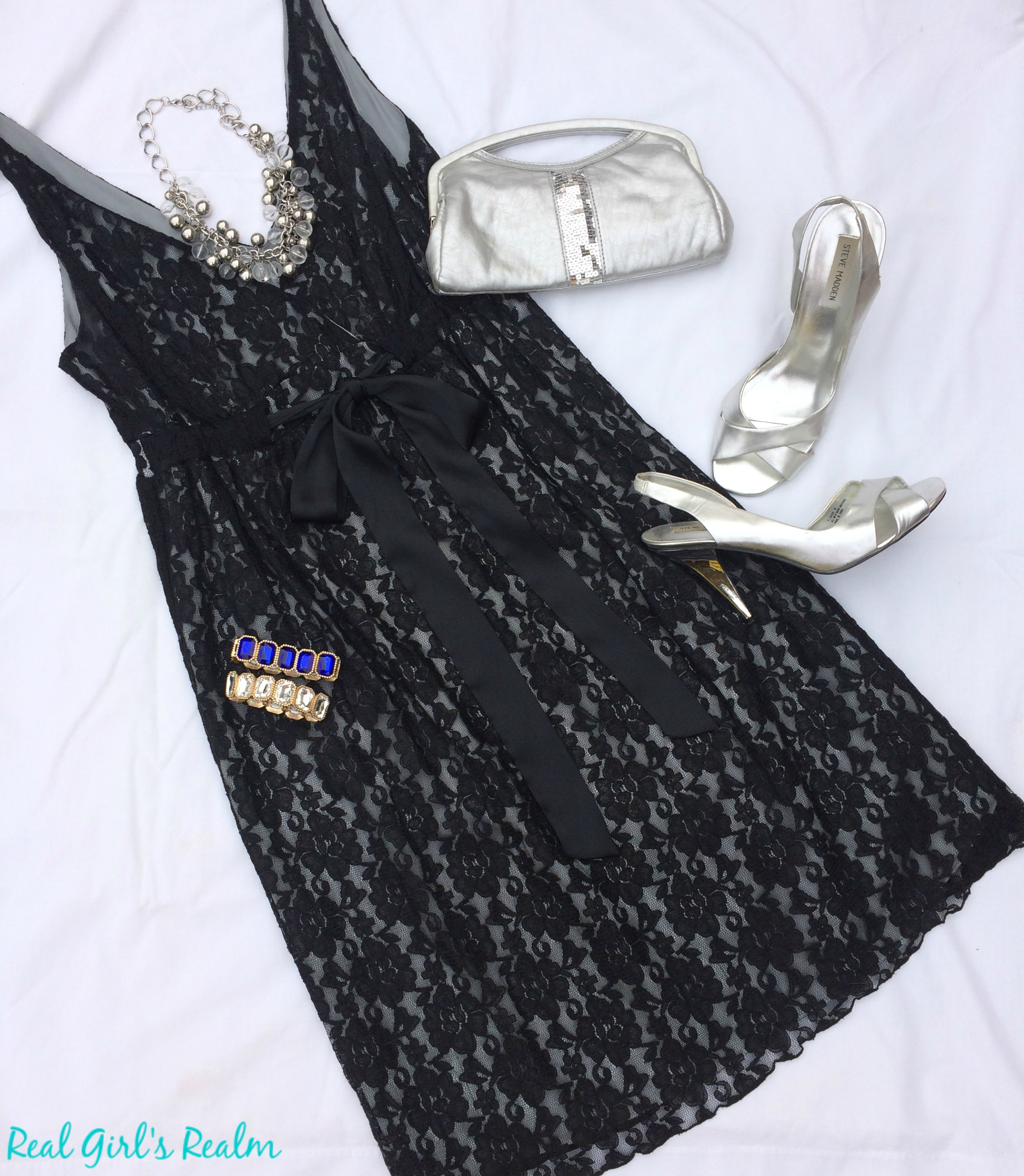 Whether you are celebrating with your spouse or planning a girl's night out, I have three stylish New Year's Eve outfit options for you.