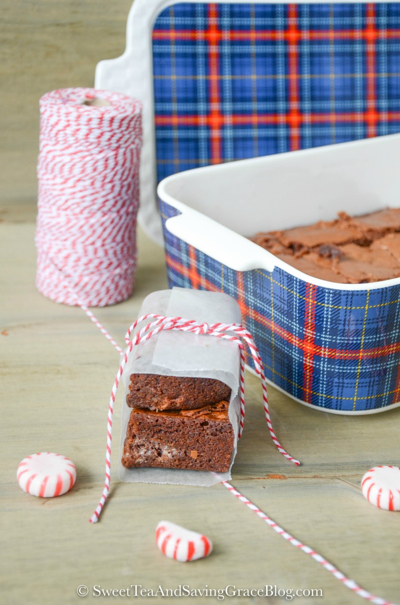 easy-milk-chocolate-peppermint-brownies-christmas-food-gift-mason ...