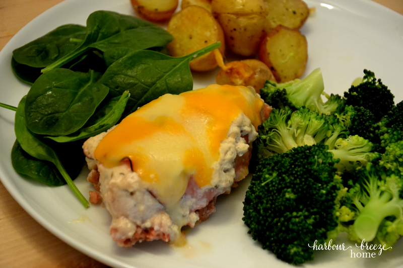 This Cheater Chicken Cordon Bleu is a simple twist on classic flavours ~ the perfect comfort food meal for cold winter days!