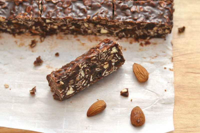 Quick, healthy, delicious no-bake chocolate almond oat bars will satisfy your sweet tooth without completely wrecking your diet