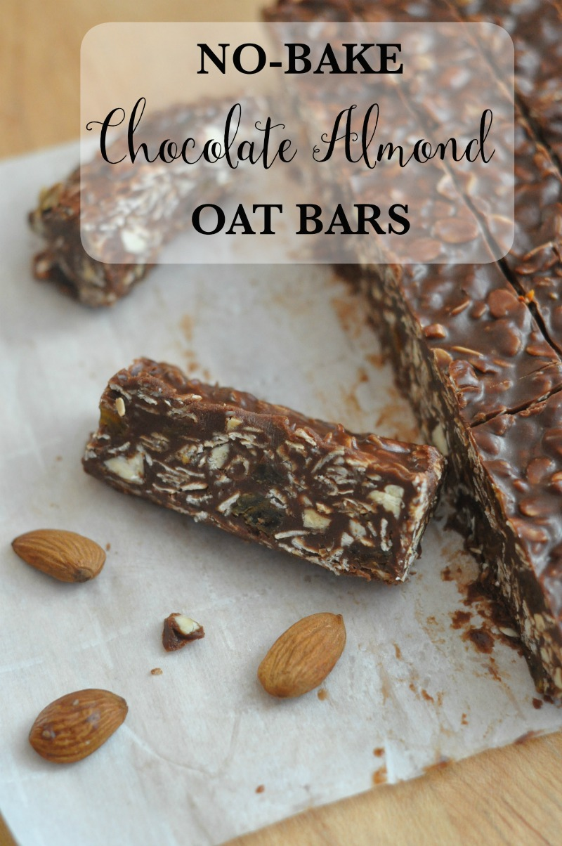 No Bake Chocolate Almond Oat Bars | Quick, healthy, delicious no-bake chocolate almond oat bars will satisfy your sweet tooth without completely wrecking your diet.