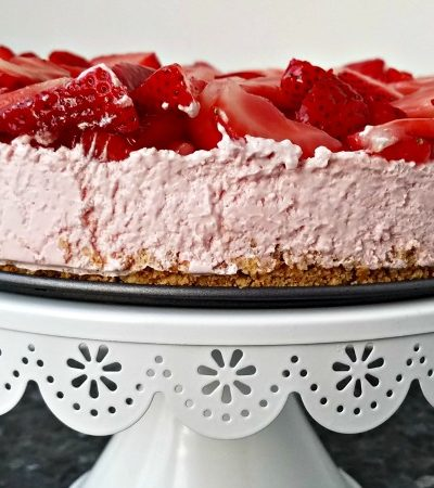 Easy Summer Strawberry Cheesecake