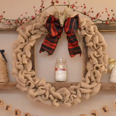It's so easy to learn how to make a burlap Christmas wreath! Add a festive ribbon and different ornaments and you can use this burlap wreath for every holiday!